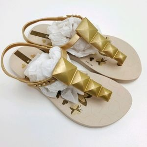 Girl's IPanema Gold Thong Sandals